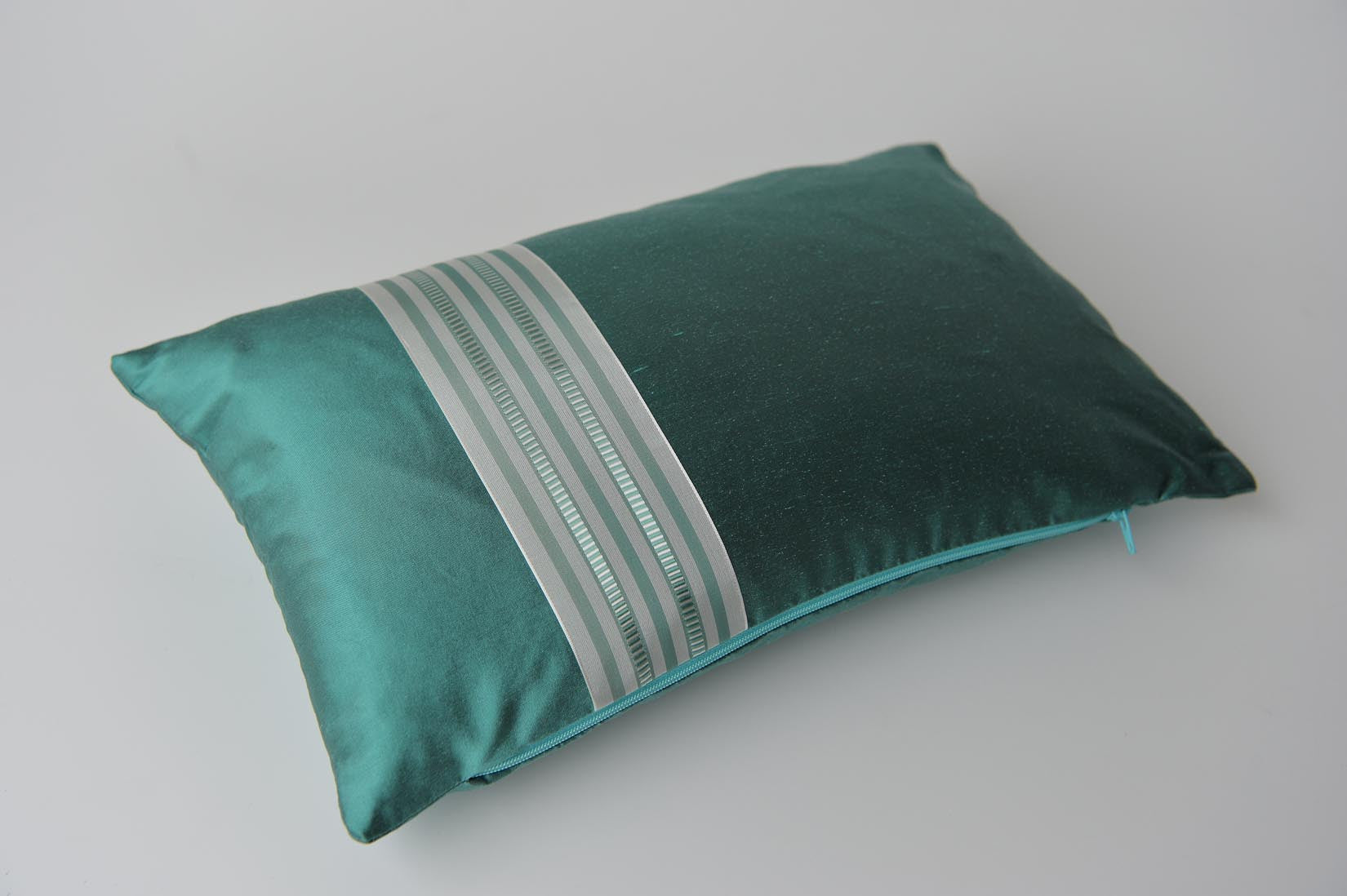 """Alterné"" Elfin blue silk cushion - MyBilletDoux.com"