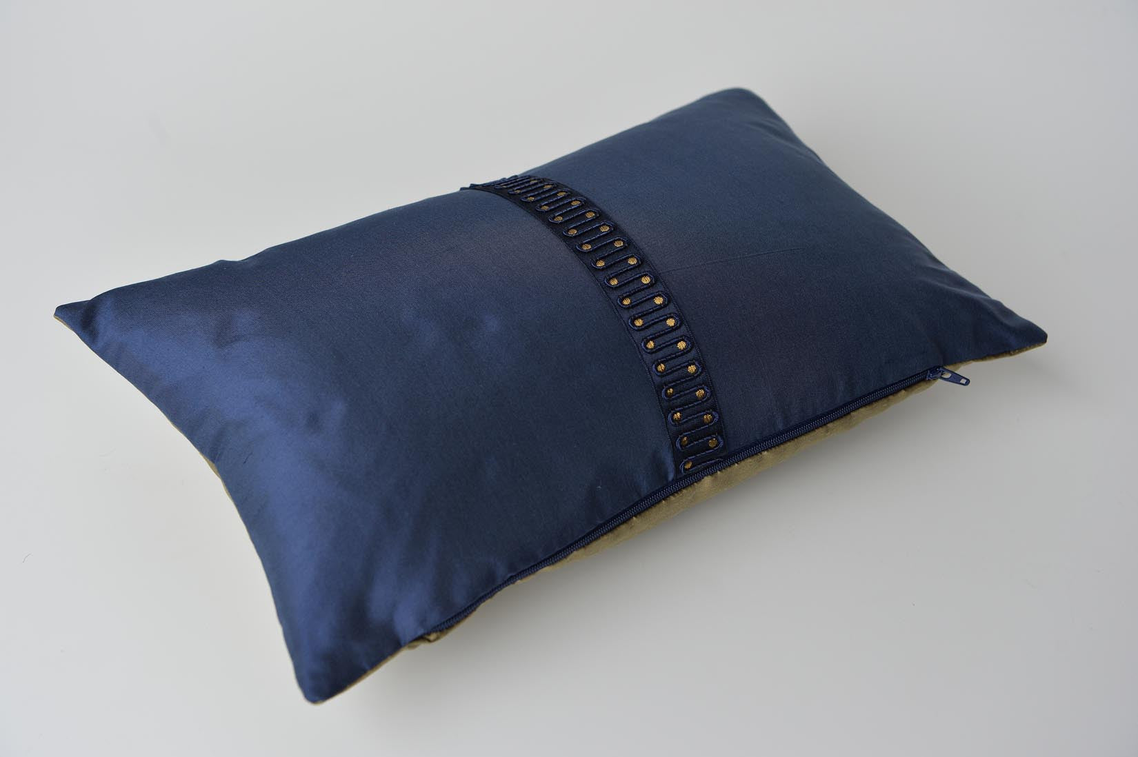 """Couture"" Wilhelm blue silk cushion - MyBilletDoux.com"