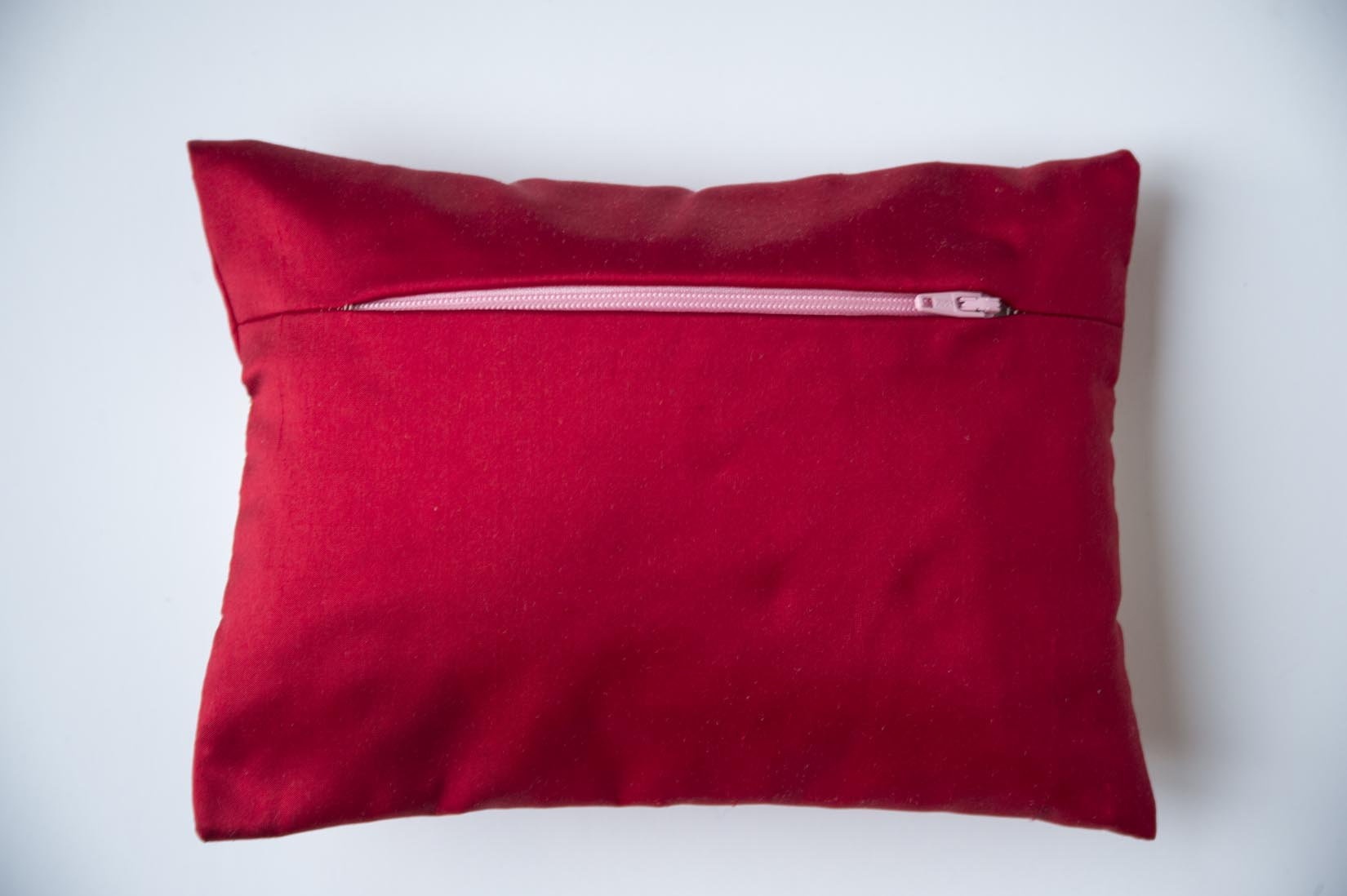 """Pensée"" Ruby red silk ring cushion - MyBilletDoux.com"