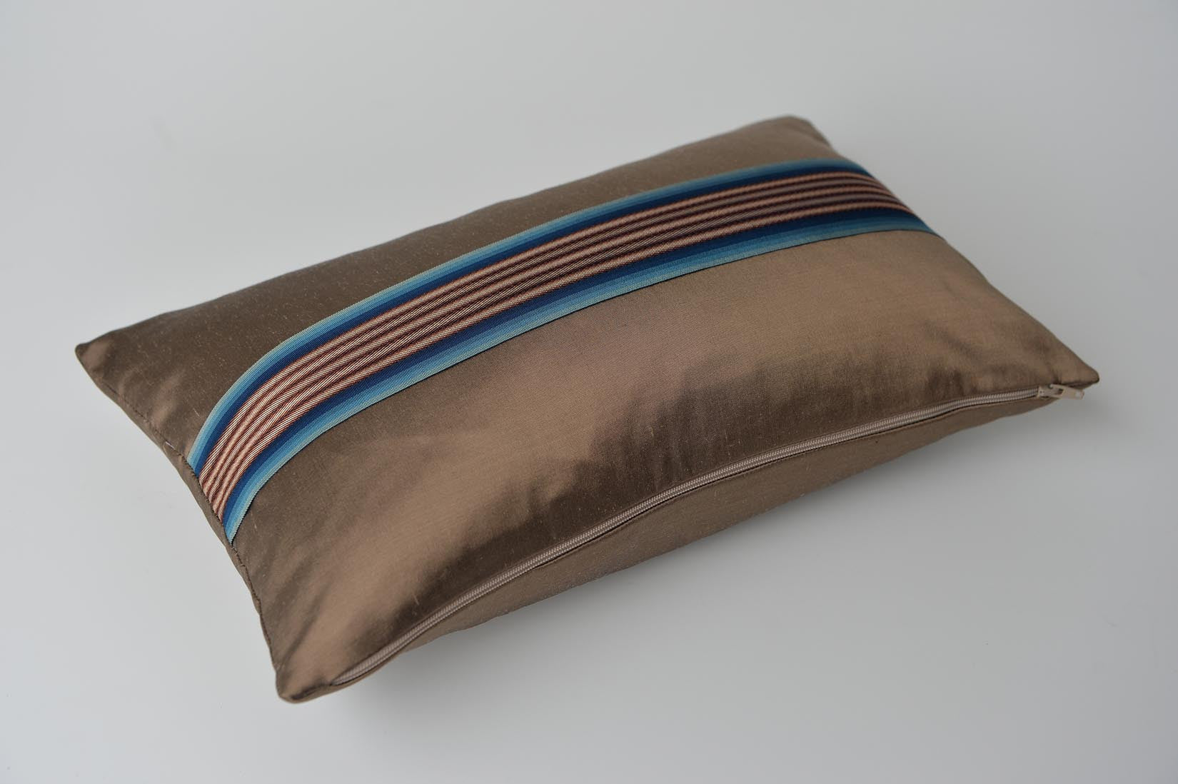 """Bandeau"" Herb brown silk cushion - MyBilletDoux.com"