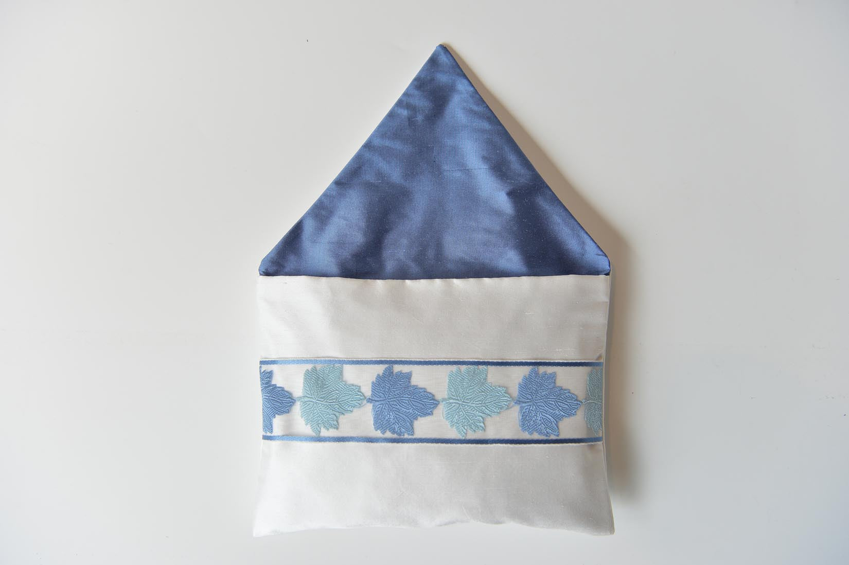 Feuilles porcelain silk envelope cushion - MyBilletDoux.com