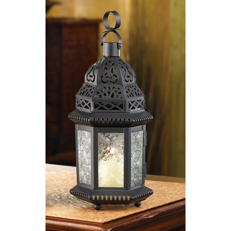 Clear glass candle lantern