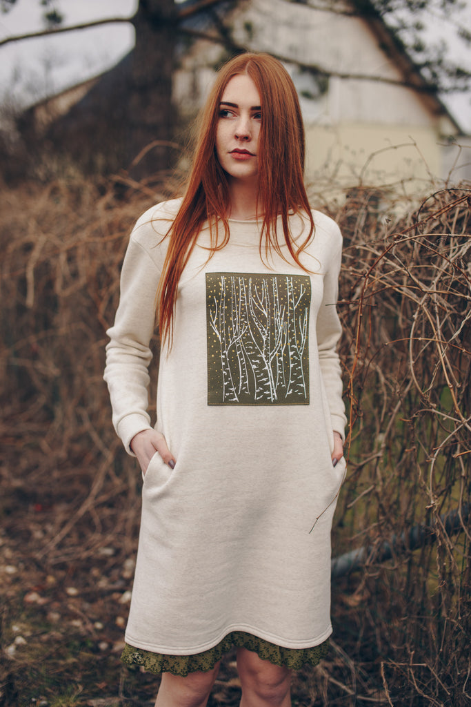 BIRCH PAINTING. SWEATSHIRT DRESS.