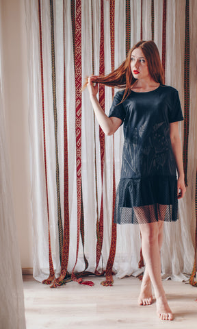 DILL. RUFFLE DRESS. BLACK