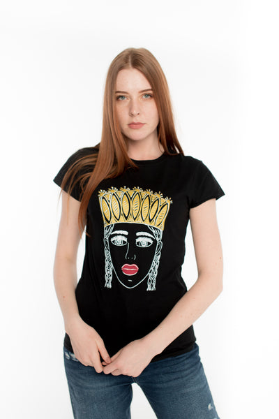 TAUTUMEITA (GIRL WITH CROWN).  BLACK. GOLD CROWN & RED LIPS