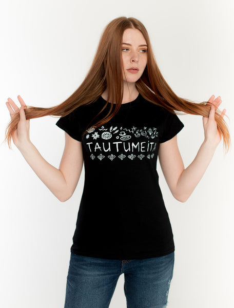 T-SHIRT WITH THE INSCRIPTION TAUTUMEITA (GIRL WITH CROWN). BLACK