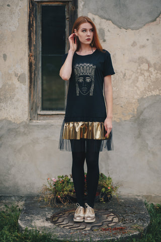 TSHIRT DRESS. GOLD