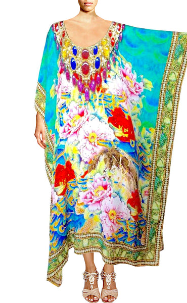 Kaftan with a spiral of flowers. perfume of France
