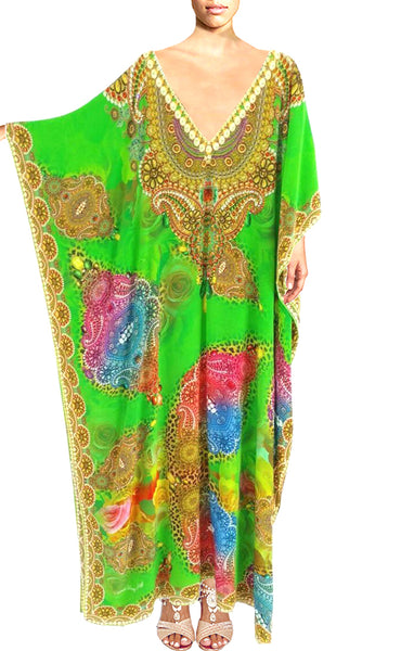 kaftan in silk. Elegance