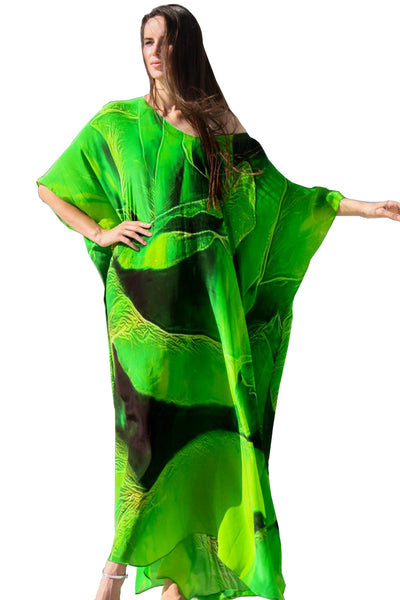 Green Kaftan in silk. Emerald  spiral of rose petals. Paris in Love