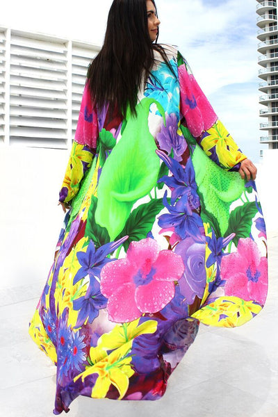 Long cape girl in the kimono jacket. Belle de Jour