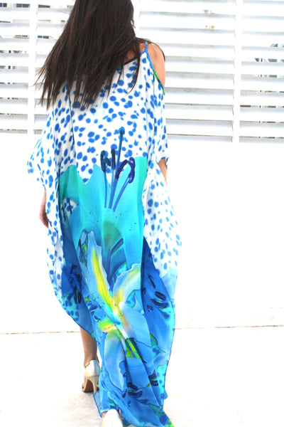 Dress in silk pretty blue flowers. French Lover