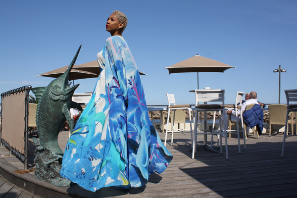 Long cape/ kimono jacket in silk. La Vie est Belle