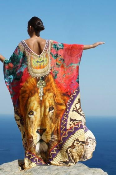 SOLD OUT Pre-Order 3 Weeks. Kaftan crowned with royal jewels. King