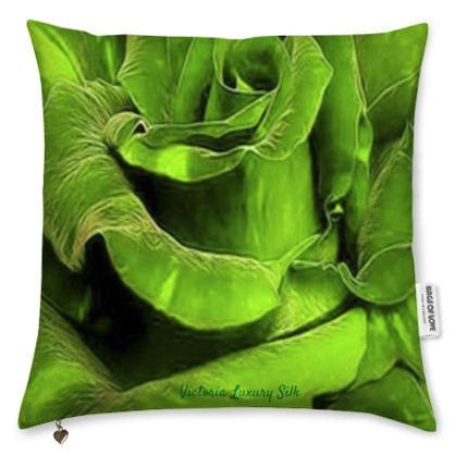 Pure silk pillow. Paris in Love