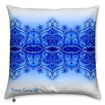 Pure silk pillow. Chic