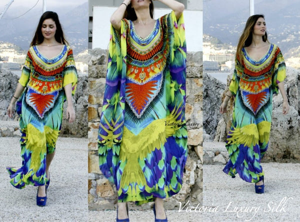 Kaftan in silk spreading wings. Florida