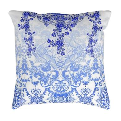Pure silk pillow. Victoria