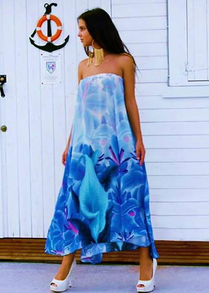 Skirt can be worn as Dress. blue Iris Flowers. La Vie est Belle.