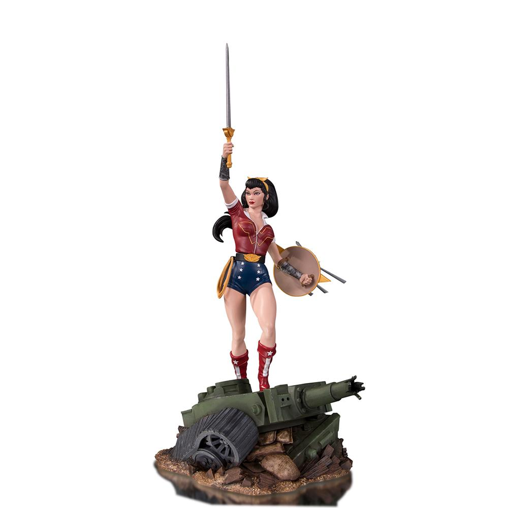 DC Designer Series Bombshells Wonder Woman by Ant Lucia Deluxe Statue