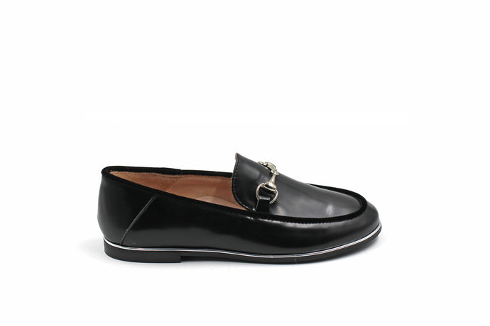 Beberlis Black Leather Loafer