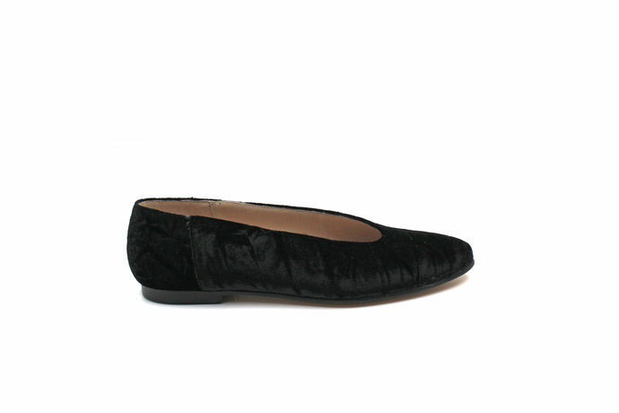 Hoo Black Velvet Pointed Flat
