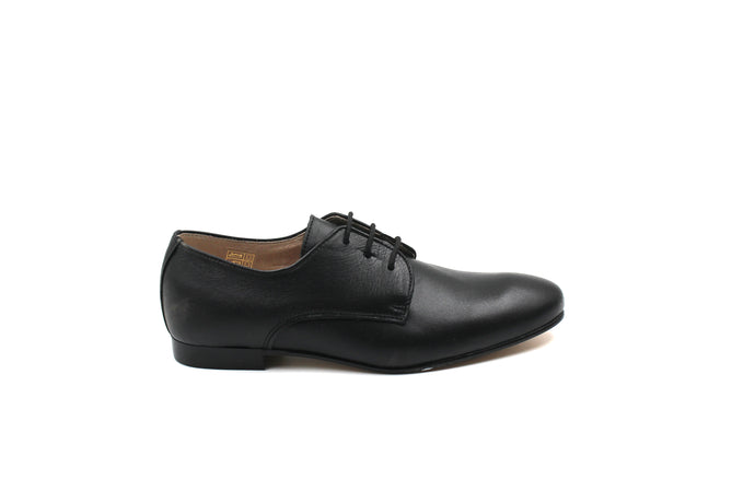 Hoo Classic Black Lace Up