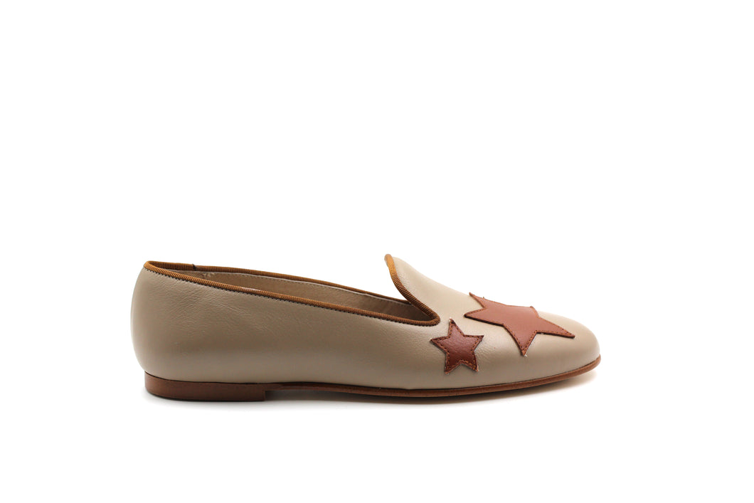 Hoo Taupe and Brown Star Flat