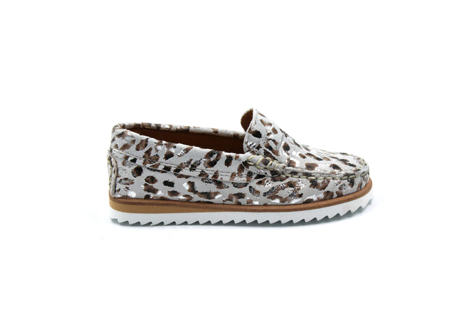Papanatas Silver Leopard Loafer