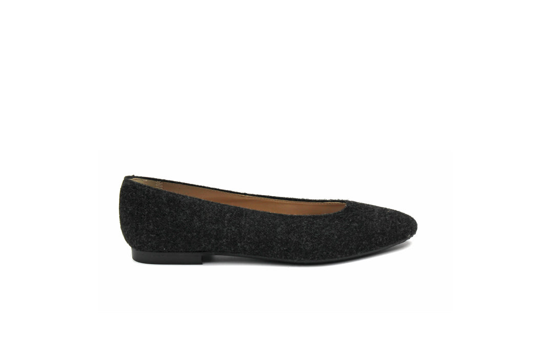 Papanatas Wool Pointed Flat