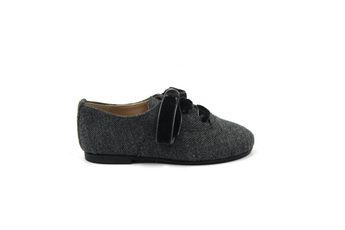 Papanatas Wool Oxford