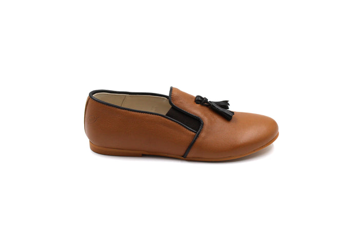 Sonatina Camel Tassel Smoking Shoe