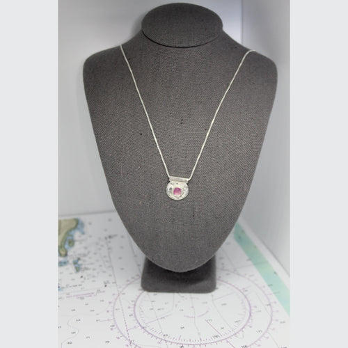 CLAMSHELL TOURMALINE NECKLACE