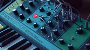 Moog Grandmother :: Semi-Modular Analog Synth