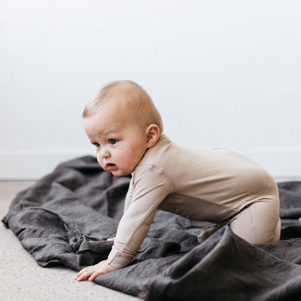 ORGANIC FOOTED JUMPSUIT - DUNE