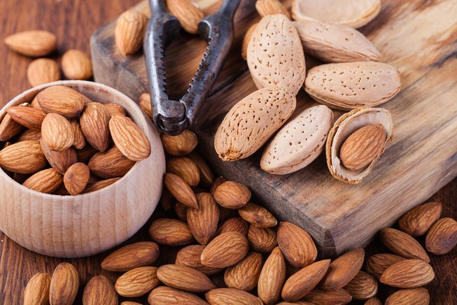 6 Incredible Benefits of Almonds You Need To Know About