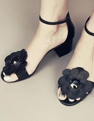 My DIY project 2 - Decorating footwear with handmade flowers