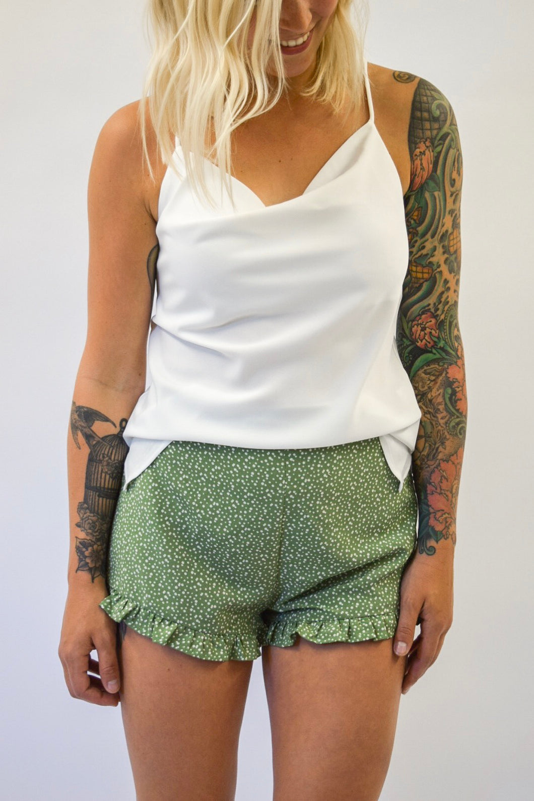 Keep Her Wild Shorts | Green