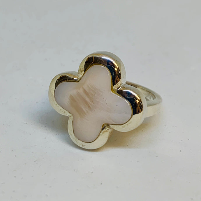 Silver Mother Of Pearl Ring (Flower)