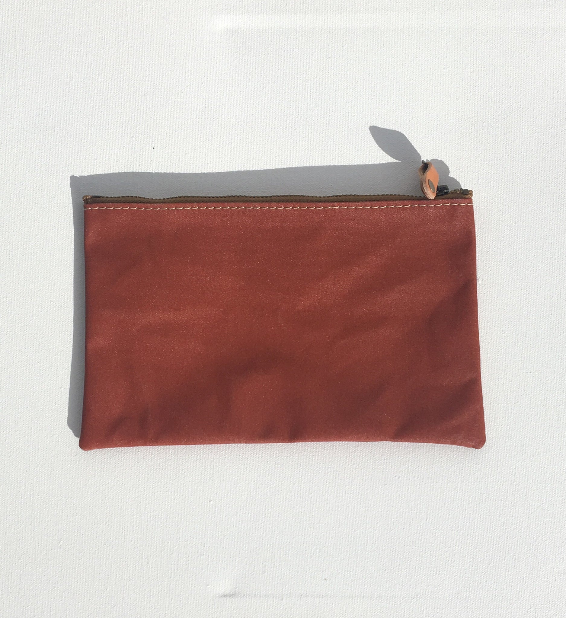 Artifact anything pouch