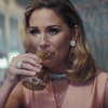 Jennifer Nettles wears 8OR in new Music Video