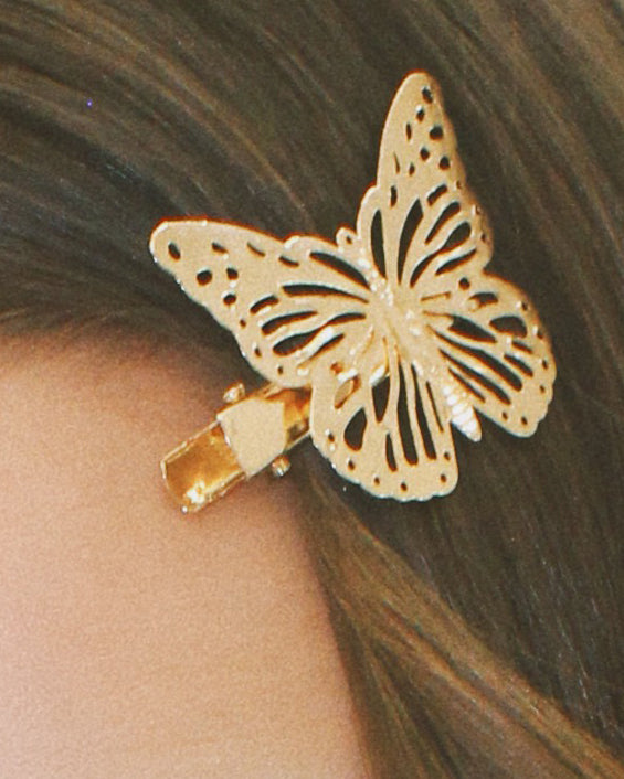 BUTTERFLY KISS CLIPS