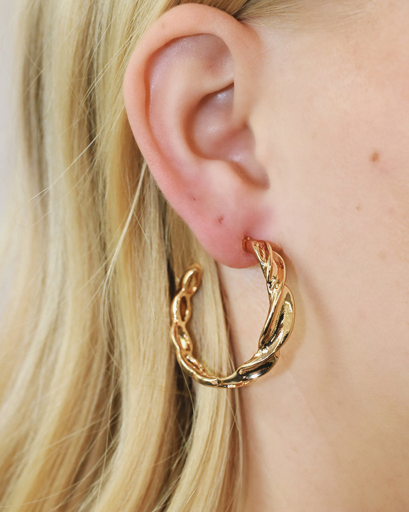 STAPLE HOOPS