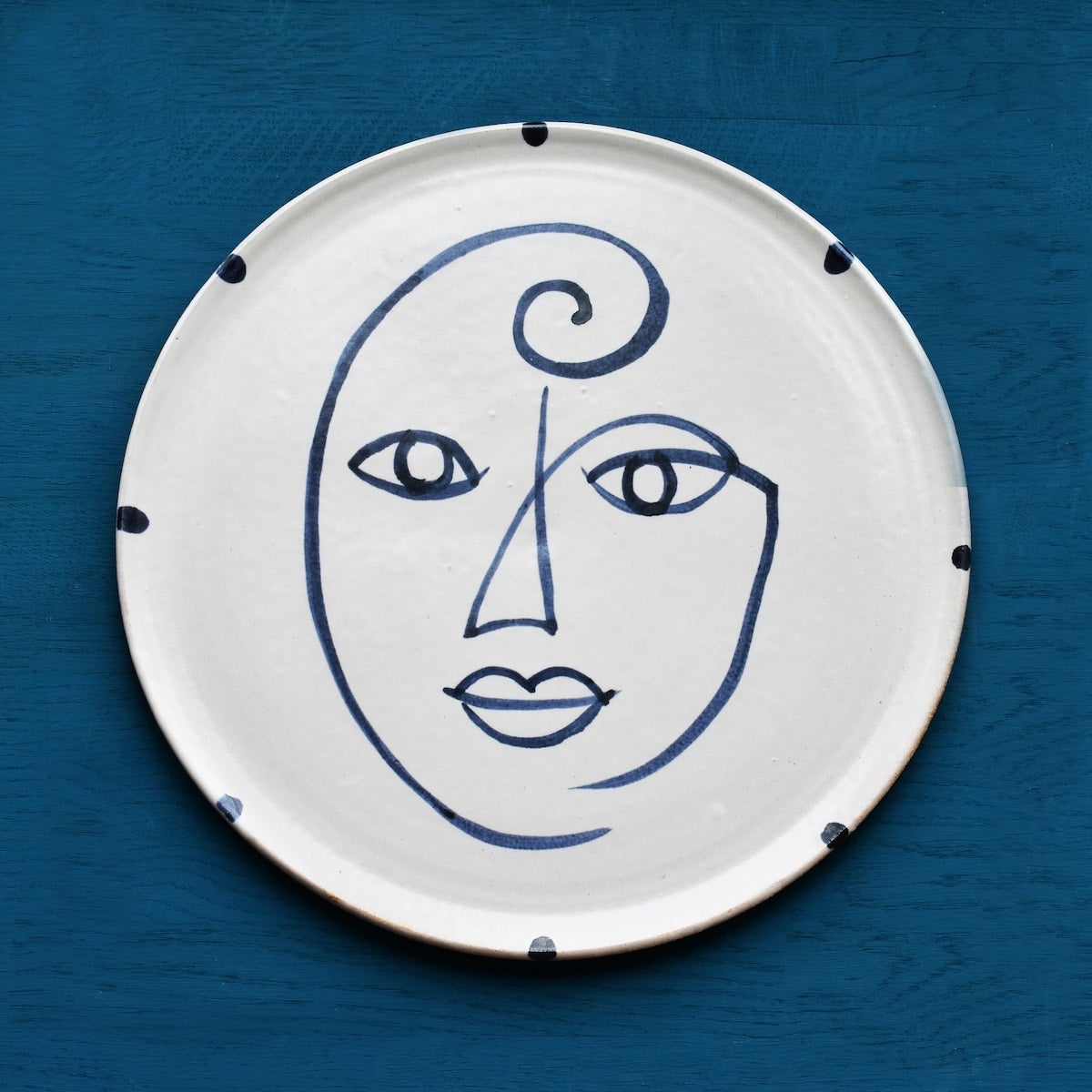 handmade hand painted blue and white face wall plate Kinkatou AUTHOR Interiors