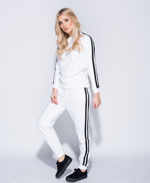 STRIPE IT UP (WHITE AND BLACK COMBO)