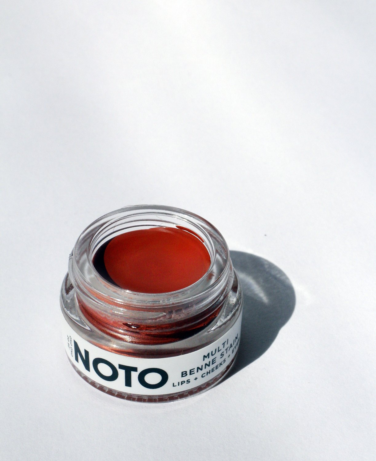 NOTO Multi-Benne Stain Pot in Ono Ono. Available at EASE Toronto.