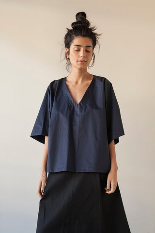 1905 V-Neck Top - Navy