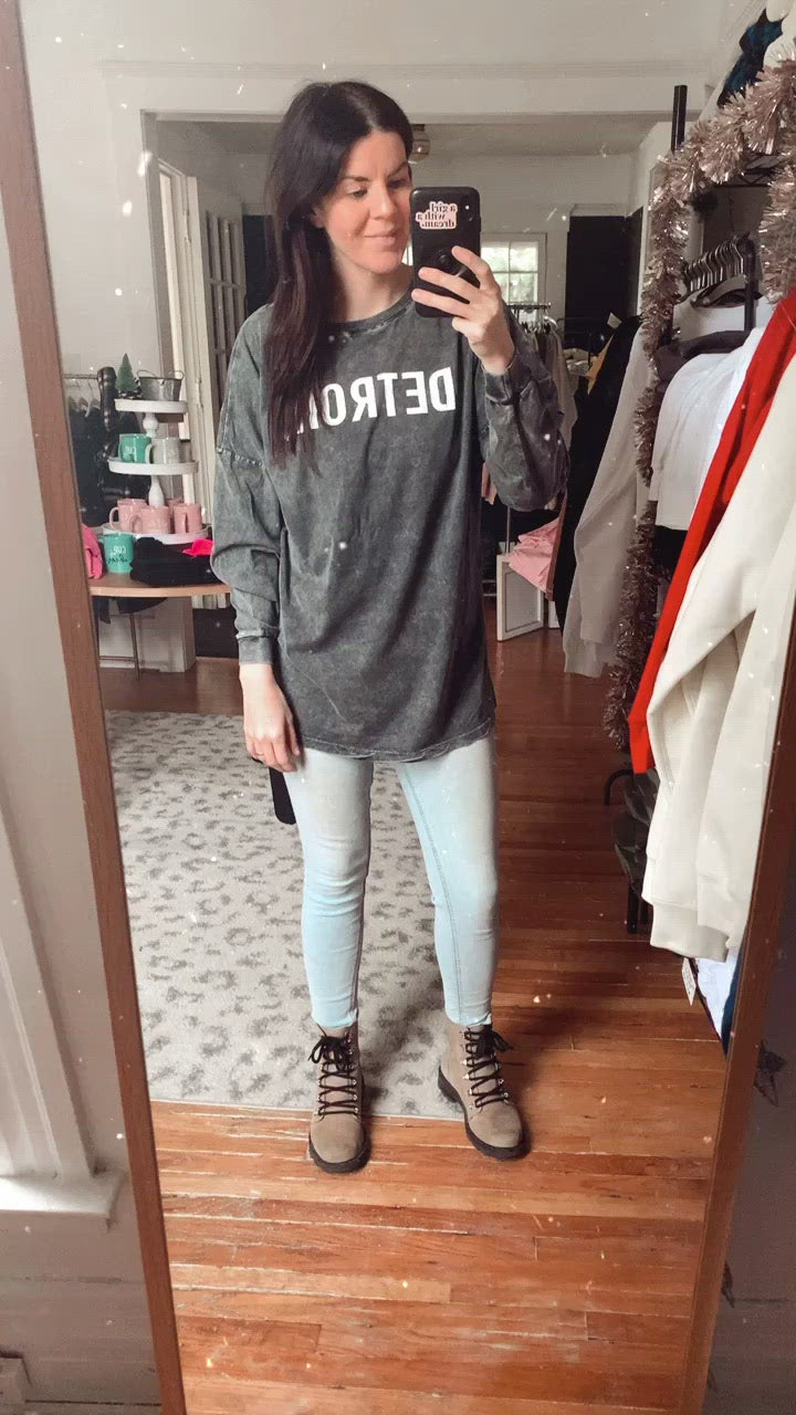 Detroit Graphite Oversized Long Sleeve Tee