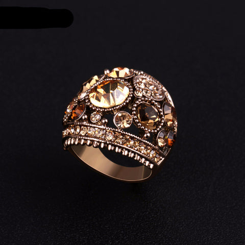 Vintage Statement Ring with Rhinestones