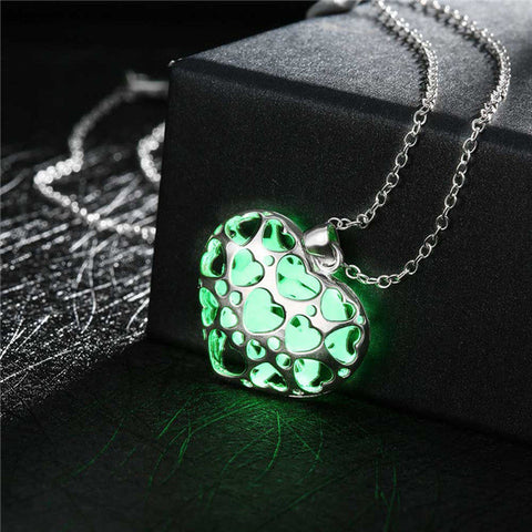 Gorgeous Glow In Dark Heart Pendant Necklace
